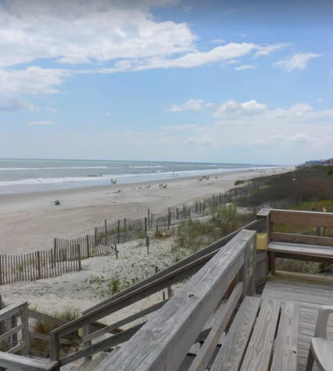 A Step From The Beach - Oceanside Townhome 2BR/1.5