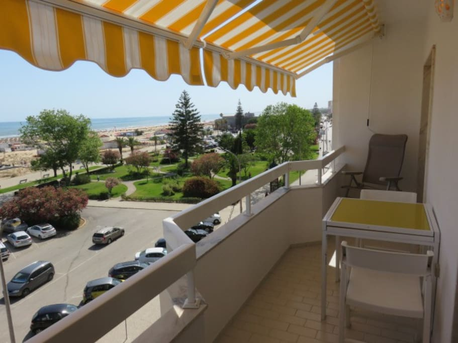 Balcony view to the west - vista oeste