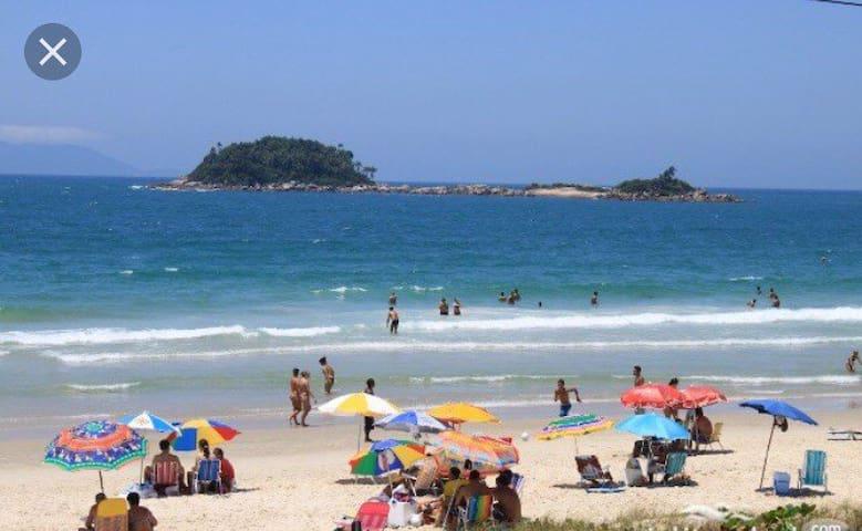 Casa geminada beira mar Praia de Palmas SC