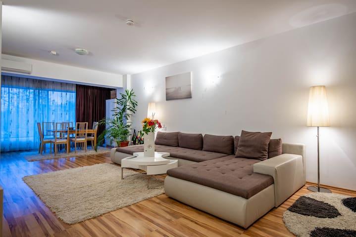 Luxury 2 Room Apartment-Residential Park