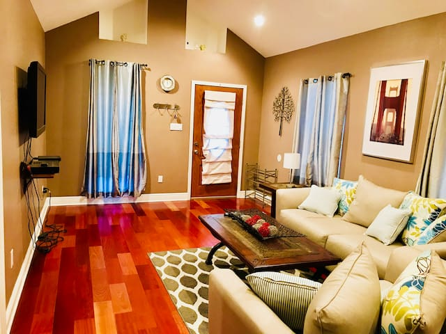 Beautiful Gentilly Suite w/ Private Bathroom
