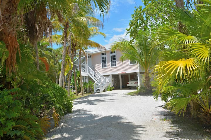 Roosevelt Place, a Sanibel Island Cottage