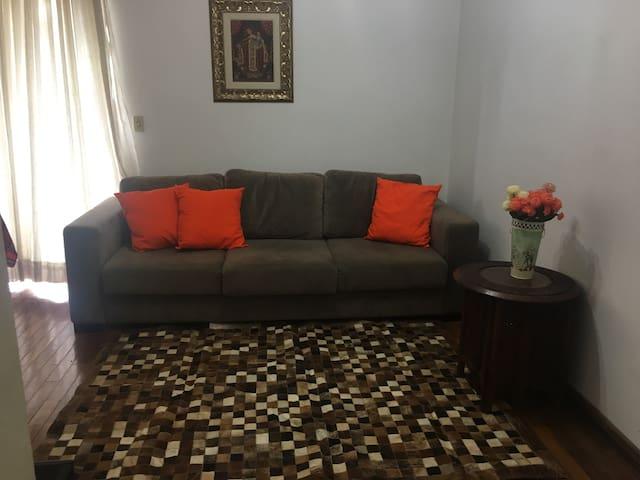 Apartamento confortável na Savassi (AP 202)