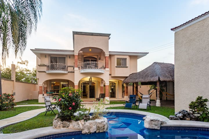 Breakfast Included private pool 5bdrm/5bath for 15