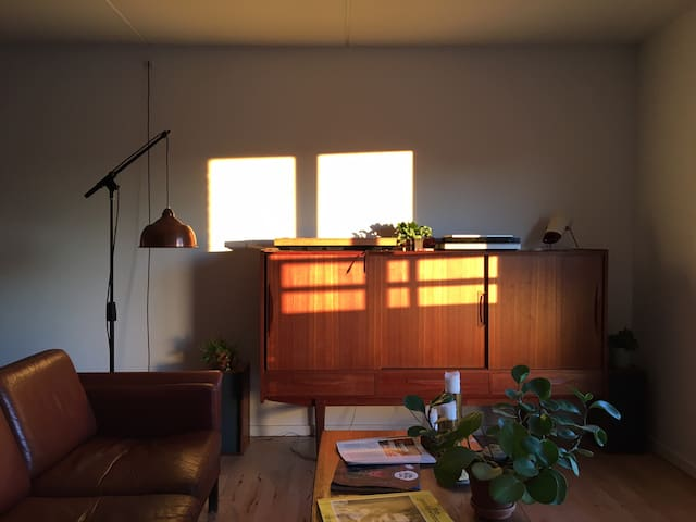 Cozy, bright 2-bedroom in exciting Nørrebro!