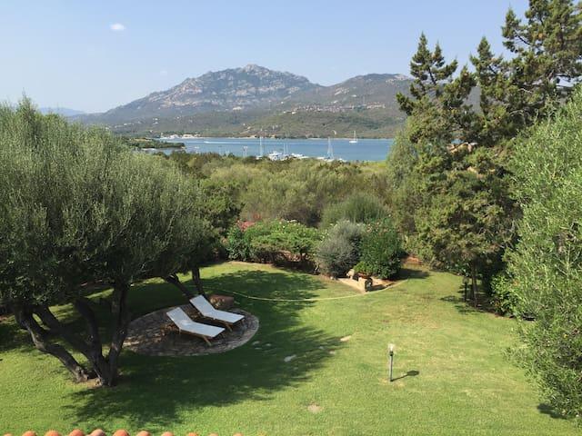 Casa con giardino 250 m dal MARE - Porto Rotondo - Villa