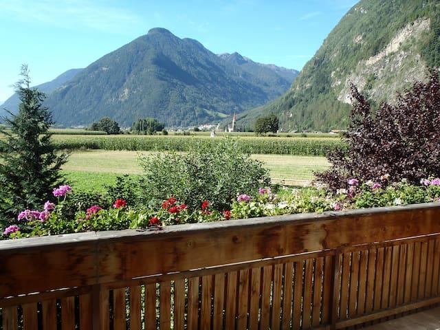 Appartament mit Balkon und herrlicher Aussicht