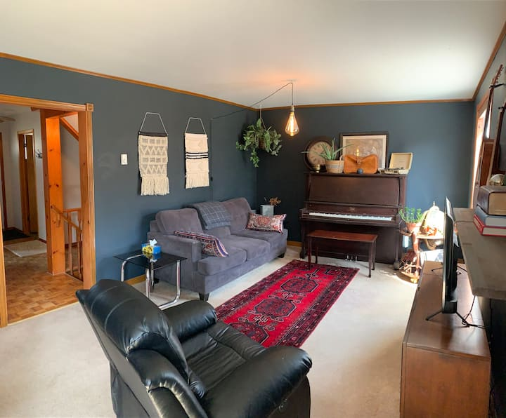 Vintage Jazz House with Hot Tub