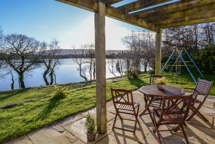 Enjoy Easter overlooking the lake!