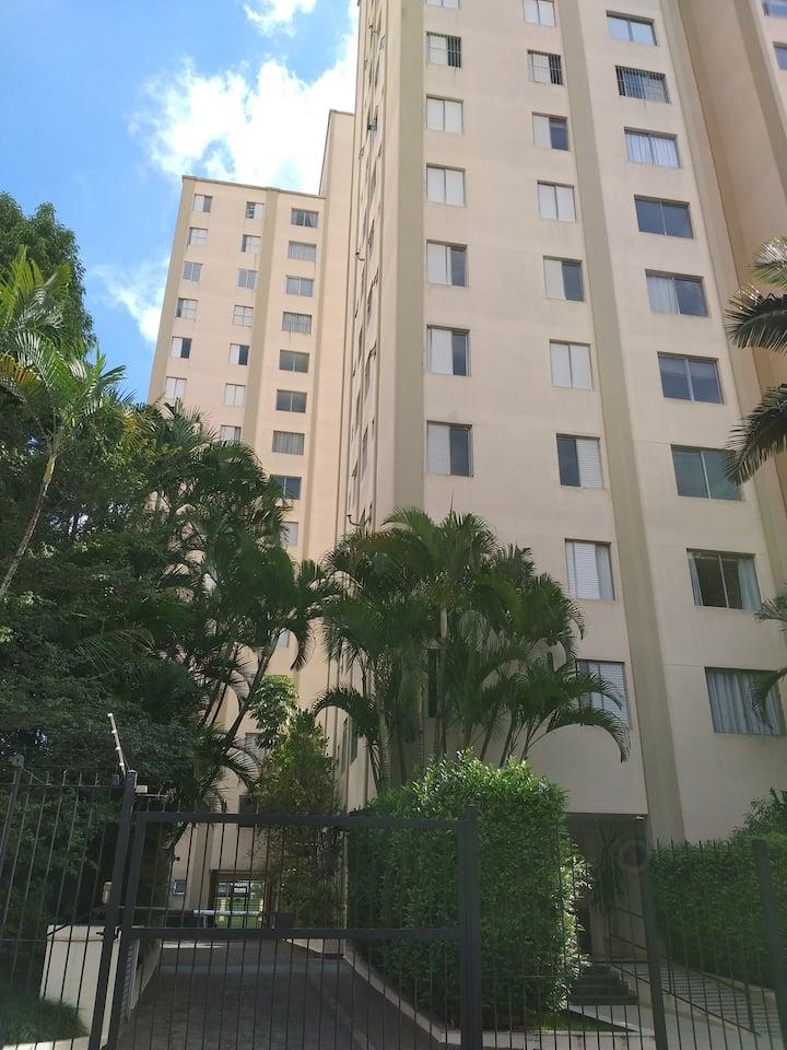 Apartamento paralelo a Av. Pompéia