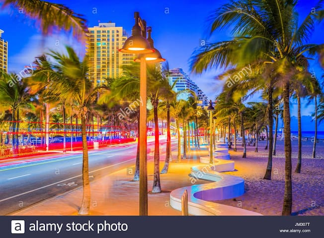 Nightlife walk at sunset is so beautiful, so special each  moment can take your breath away BREATH LOVE LIVING NOW Please know your welcome home at Angels Divine Sanctuary is Amazing so stay as long as you like.  Only 4 min drive to OCEAN
