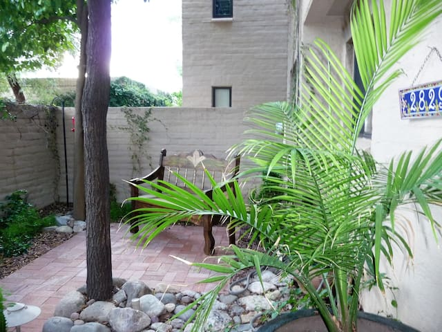 Quiet, centrally located townhome