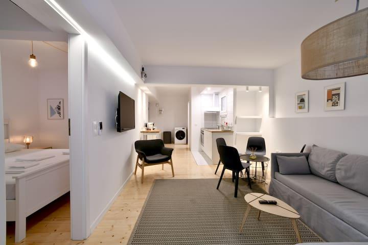 Olala Boheme Apartment | Fig Tree Patio