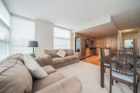 Modern 1BR Burnaby Mountain/SFU Apartment