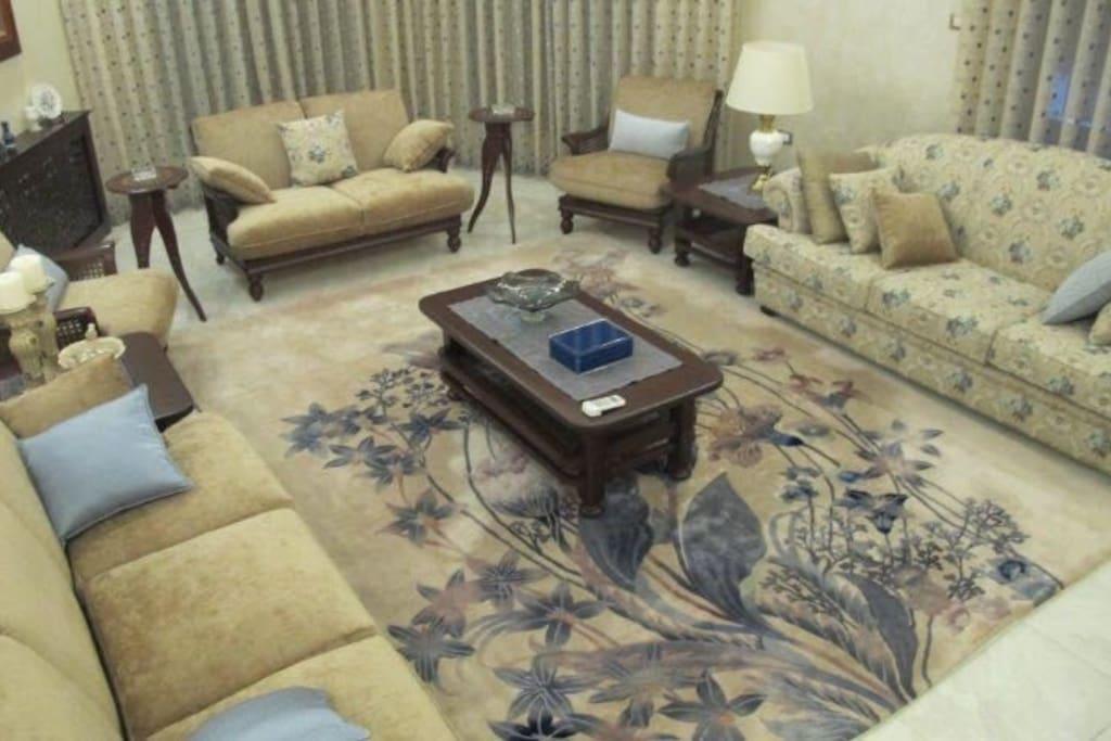 reception  room _ sitting area
