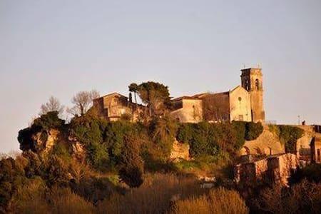 """Villa """"Le Ginestre"""" con piscina su colline toscane - Legoli"""