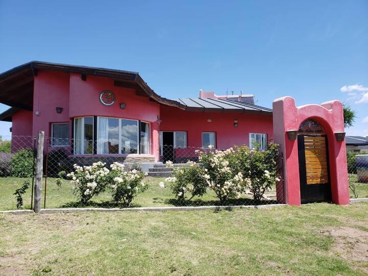 Hermosa casa en Capilla / Ideal Familias y Retiros
