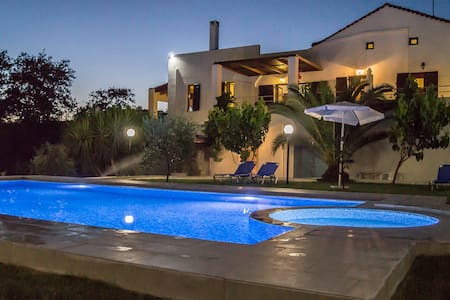 NOSTOS HOME VILLA IDEAL FOR RELAXATION - レティムノ