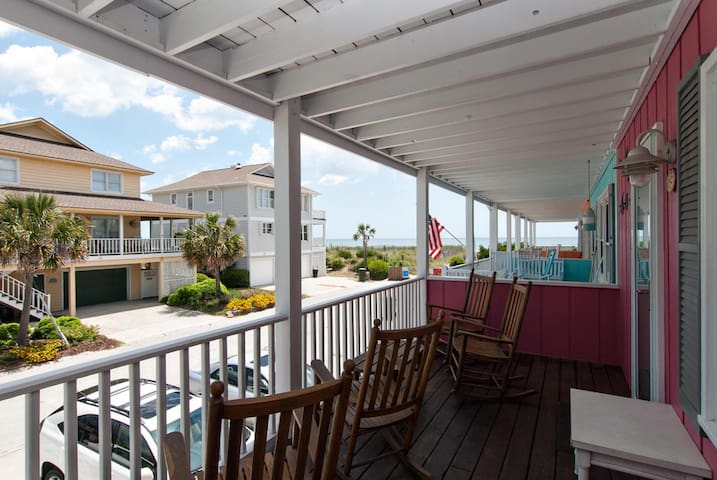Baird-Attractively decorated oceanside townhome with covered porches