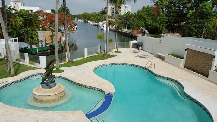 Metro Bay and Marina House