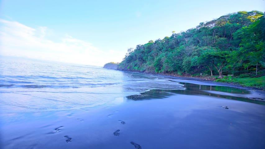 Breathtaking Ocean Front Luxury Villa