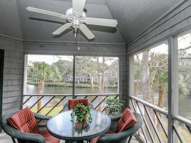 Book Soon For New Lower Rates On Kiawah Island! 2nd Floor Villa With Lagoon Views!