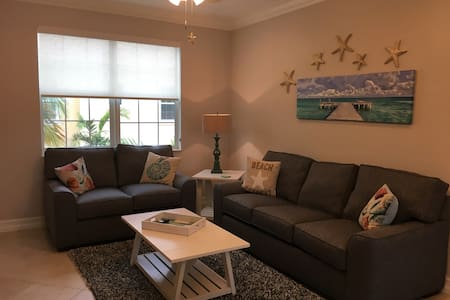 PERFECT BEACH GETAWAY - Lake Worth - Townhouse