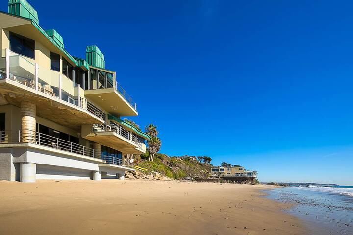 Pristine Modern Oceanfront