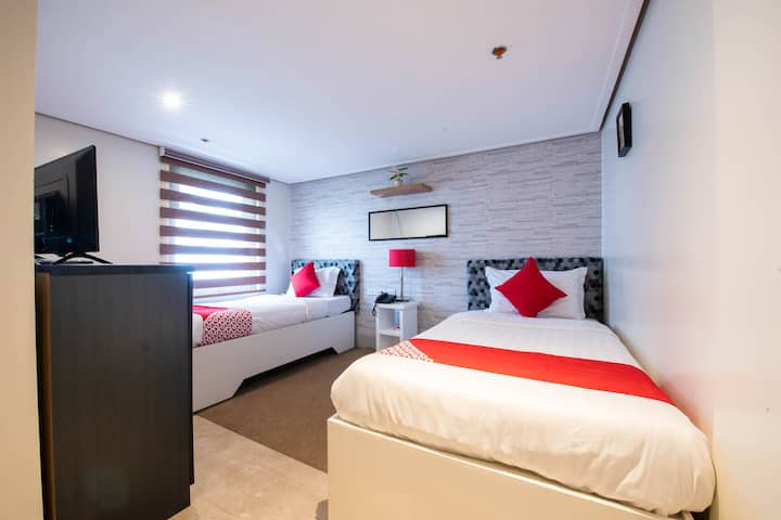 Deluxe Twin Room In Sunset View Ridge Residences