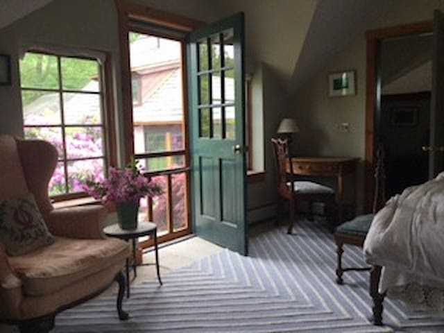 English Arts and Craft Home in Ghent, NY