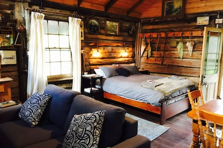 Leura Log Cabin - Warracknabeal