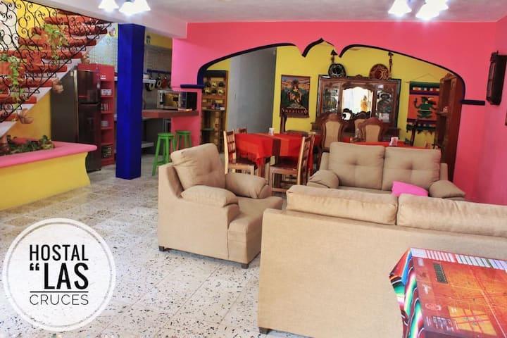 """Hostal """"Las Cruces"""" - habitacion compartida"""