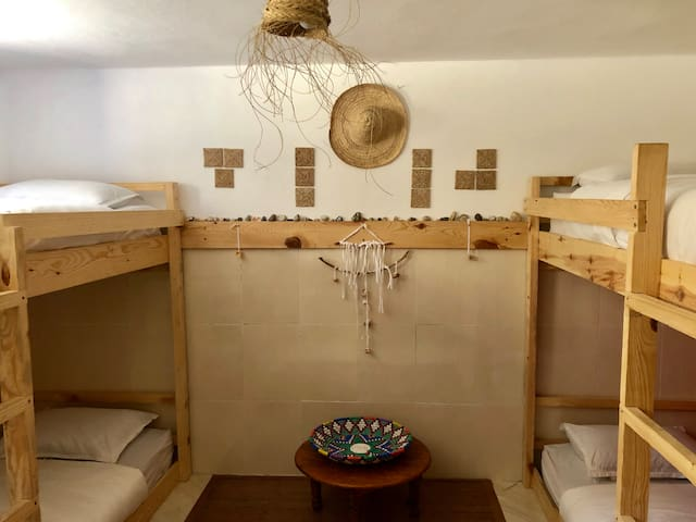 Dormitory with 4 beds in Taghazout