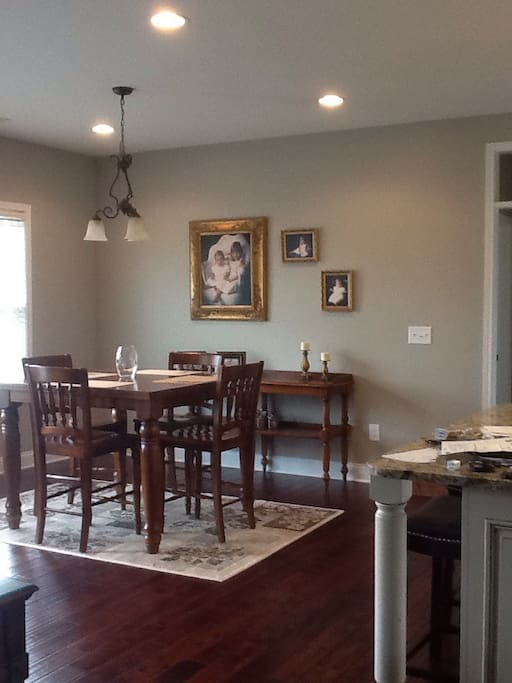 Eat in area adjacent to kitchen