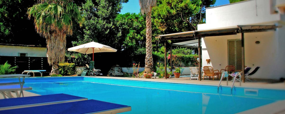 Villa with Pool, 150 m. from Paestum's Sandy Beach - Licinella-Torre di Paestum