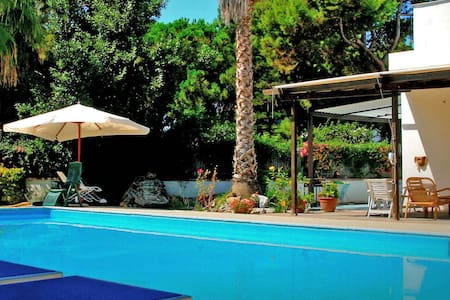 Villa with Pool, 150 m. from Paestum's Sandy Beach - Licinella-Torre di Paestum - Vila