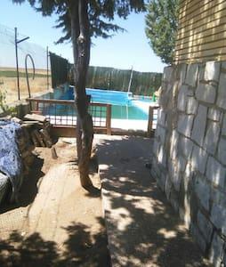 Chalet,casa rural 300m2,parc 1000m2 - Toledo