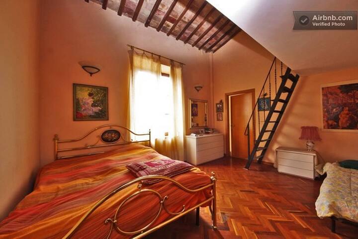 Appartamento in villa storica con giardino