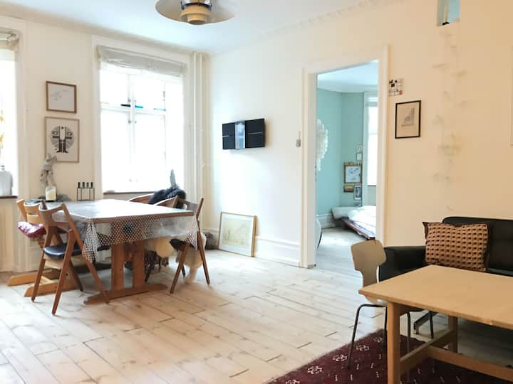 Nørrebro - Perfect For 2-3 Persons - 2 Bedrooms - Space For 3 People (1107-1)