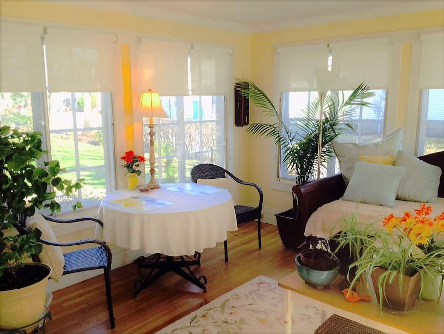 Private seasonal sun room.