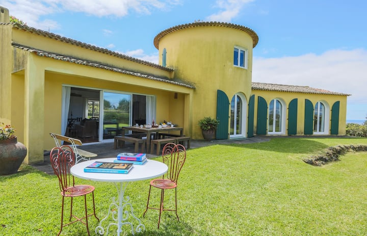 Exquisite House, sea view and pool TORRE DO TERMO