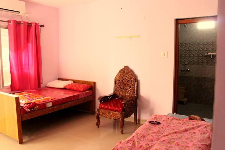 P.V. Dharma Stay Bedroom 3