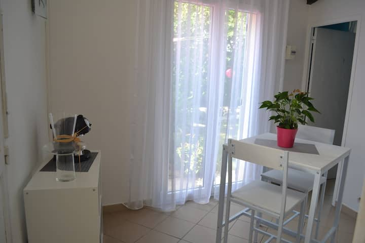 Appartement T1' avec vue sur jardin