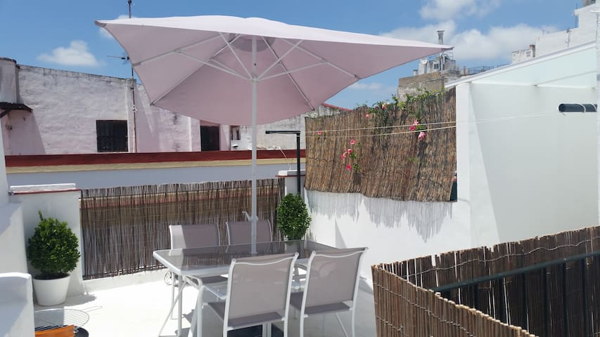 Apartamento en el centro histórico - Jerez de la Frontera - Byt