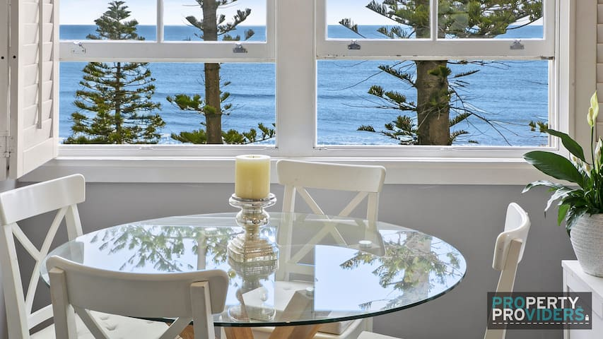 PROS - Sandy Toes Manly Executive Apartment