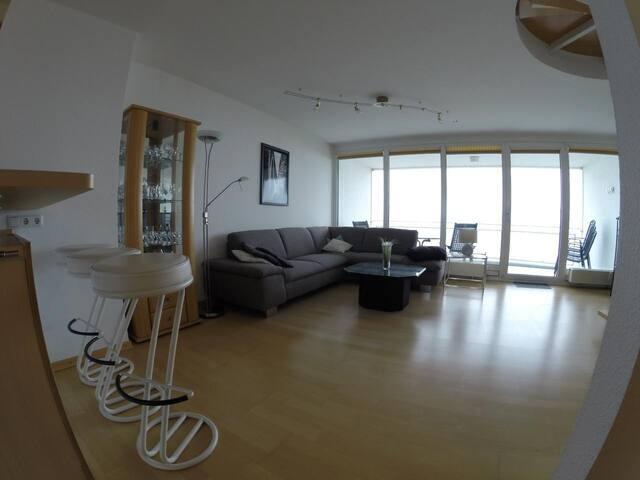 Exklusive Ferienwohnung in der 5. 6. Etage mit direktem Meerblick direkt an der Nordsee