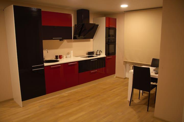 Cozy 2-room modern apartment - Käina - Appartement