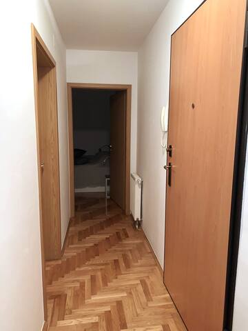 Beutiful flat, 15 min by bus from center of Zagreb