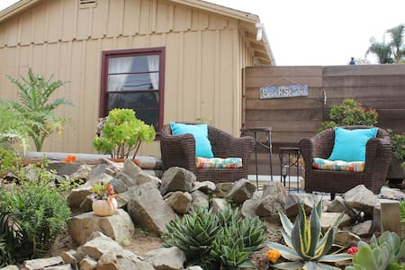 Cute Studio Cottage in Solana Beach