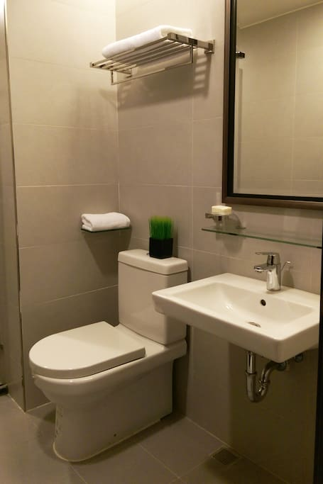 Restroom 洗手間